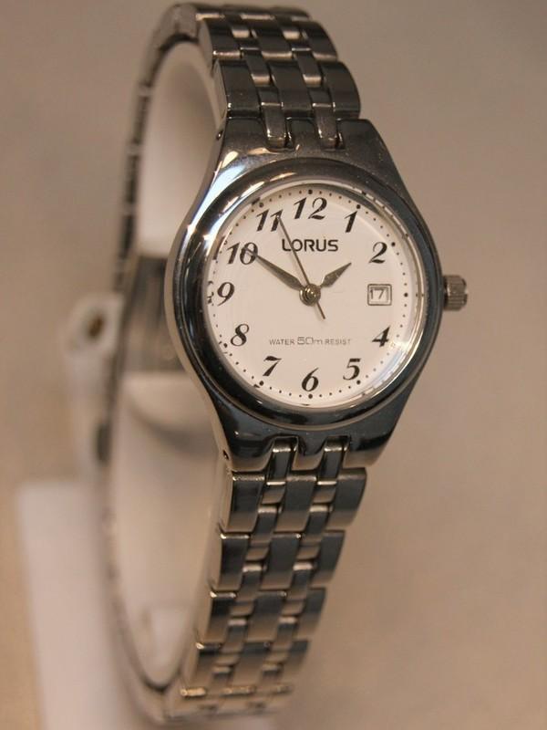 Lorus Quartz Staal Bracelet Wit RH725AX9