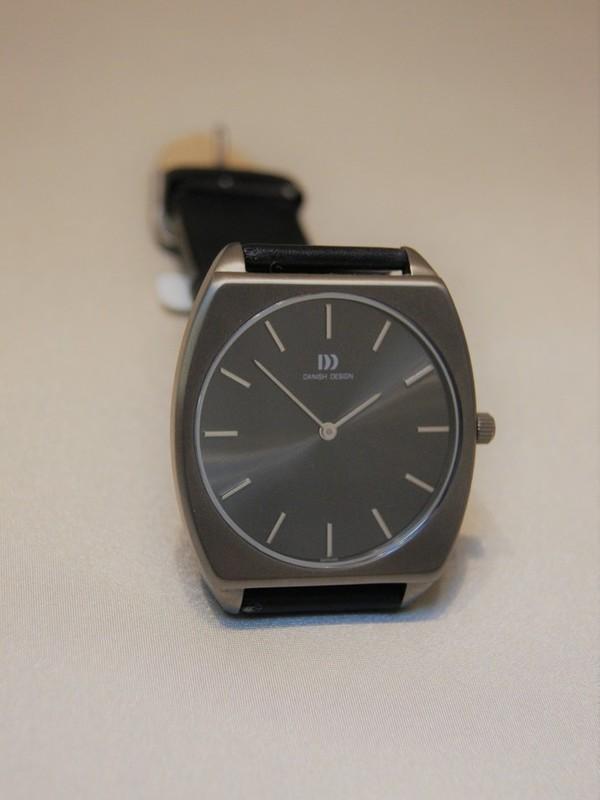 Danish Design Quartz Sapphire Titanium  Zwart Leder Grijs IQ13Q645