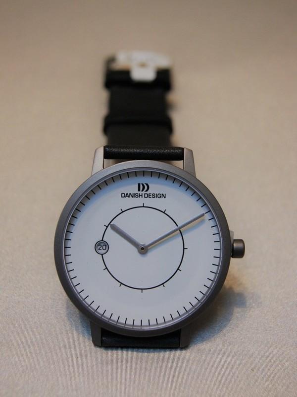 Danish Design Titanium Sapphire IQ12Q832