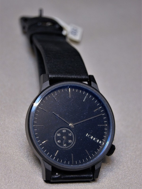 Komono Winston Subs Quartz Zwart-blauw Zwart Leder Zwart