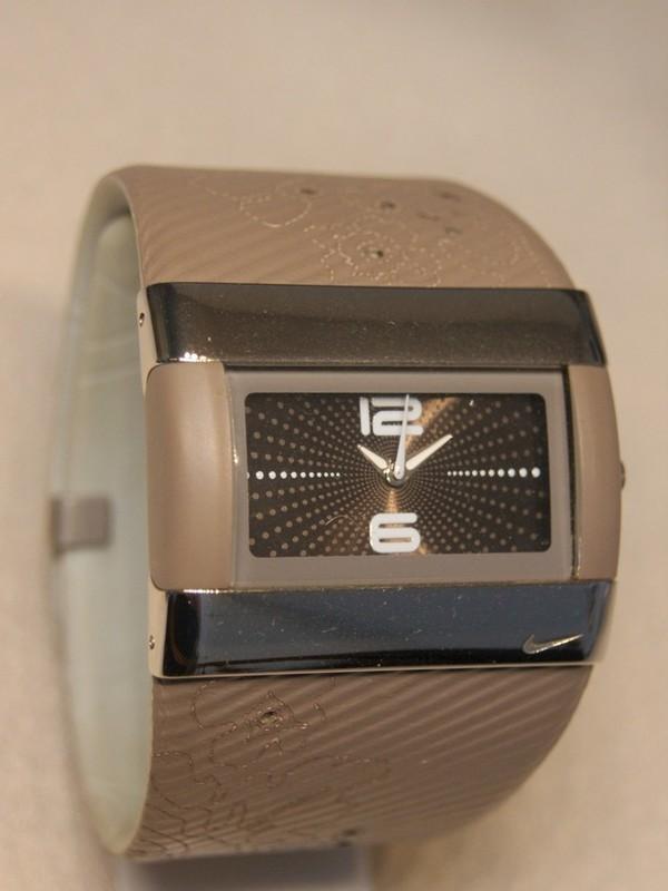 Nike Quartz Staal SS Ezelbruin Leder-Kunststof Ezelbruin 824