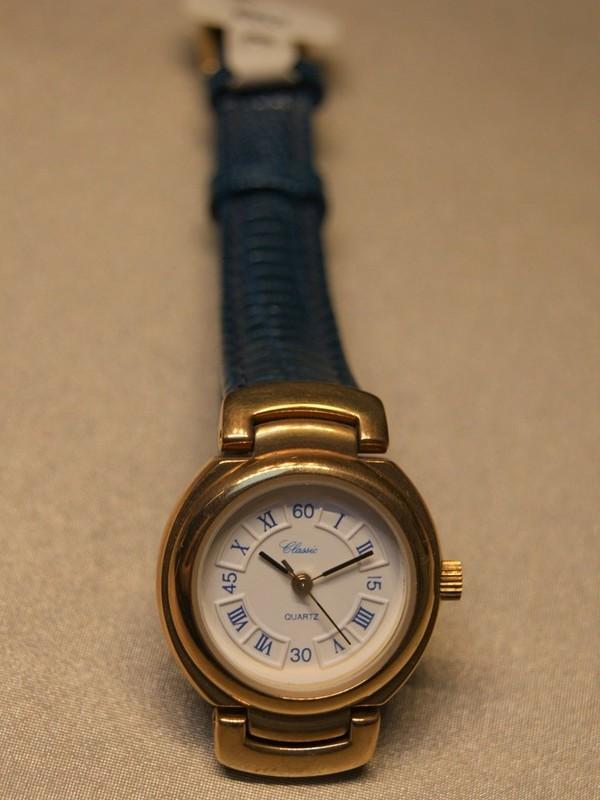Classic Quartz Plaqué Blauw Leder Wit 81544/2 2450