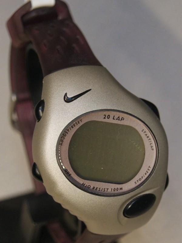 Nike Quartz Staal SS Paars Kunststof Display WG45-4000