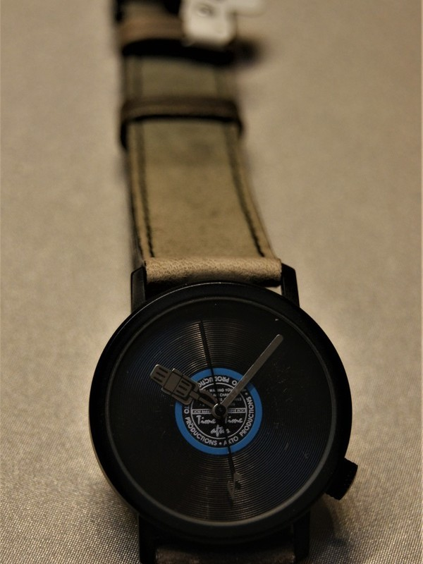 AKTO LP-plaat Quartz Zwart Bruin-Zwart Leder Zwart
