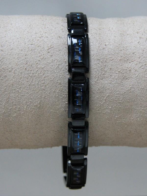 Zwarte stalen armband met blauwe details