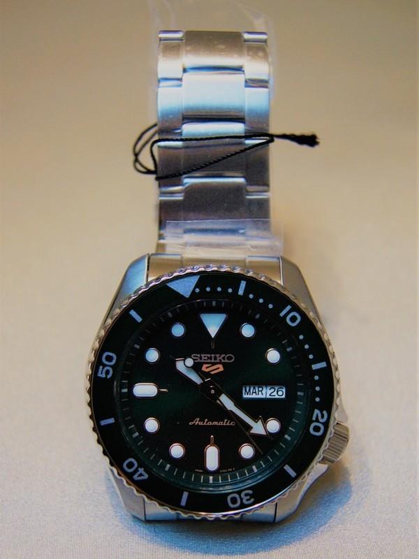Seiko 5 Sports Automatic SS Bracelet Groen SRPD63K1