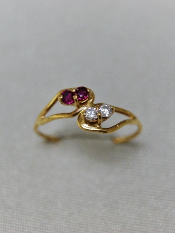 Gouden ring met saffieren en zirconia