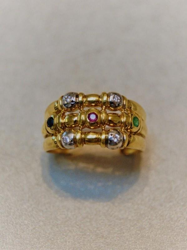 Gouden ring met briljant, smaragd en robijn