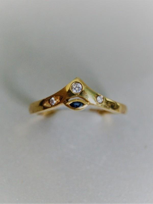 Gouden ring met brijanten en saffier