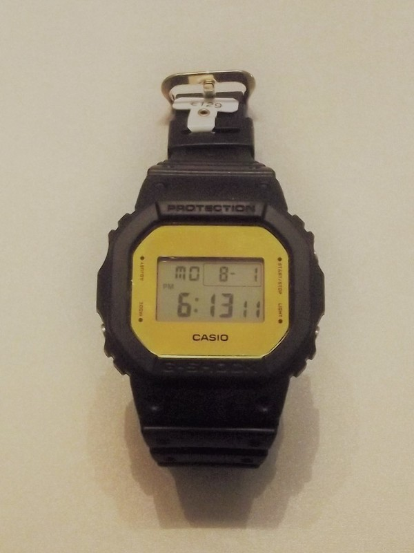 Casio G-Shock Quartz Zwart Kunststof Goud DW-5600BBMB