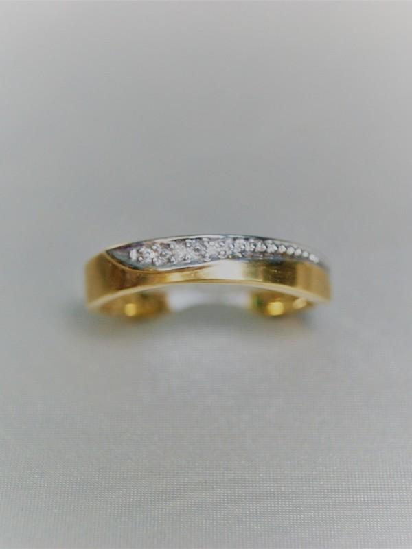 Gouden ring met micro pavé gezette zirconia