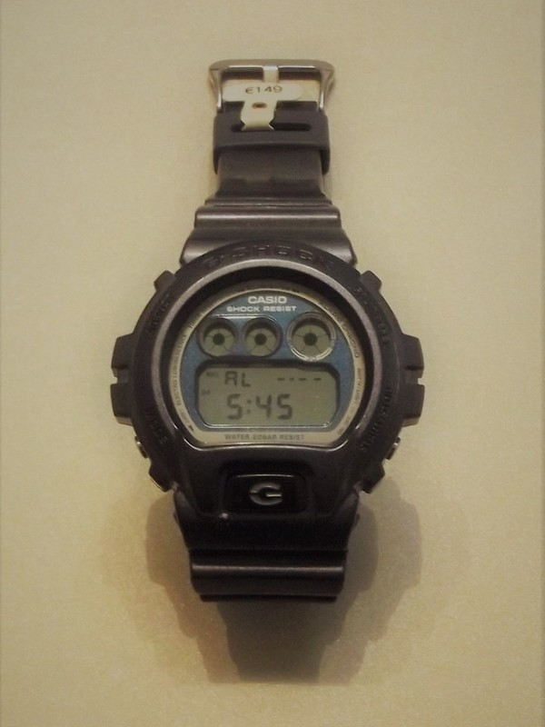 Casio G-Shock DW-6900MF