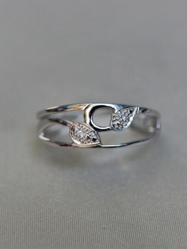 Gouden ring met bladmotief en zirconia