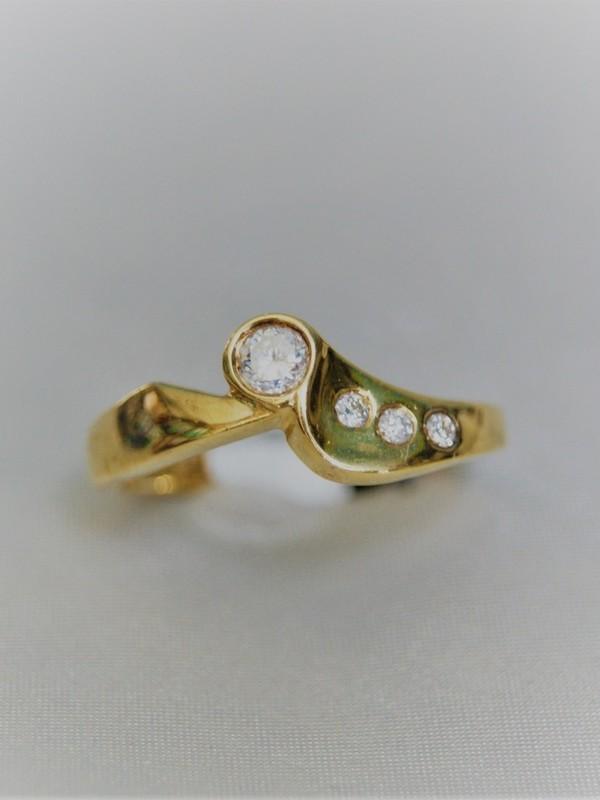Gouden ring met briljante