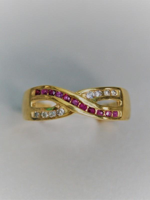 Gouden ring met saffieren en zirconium