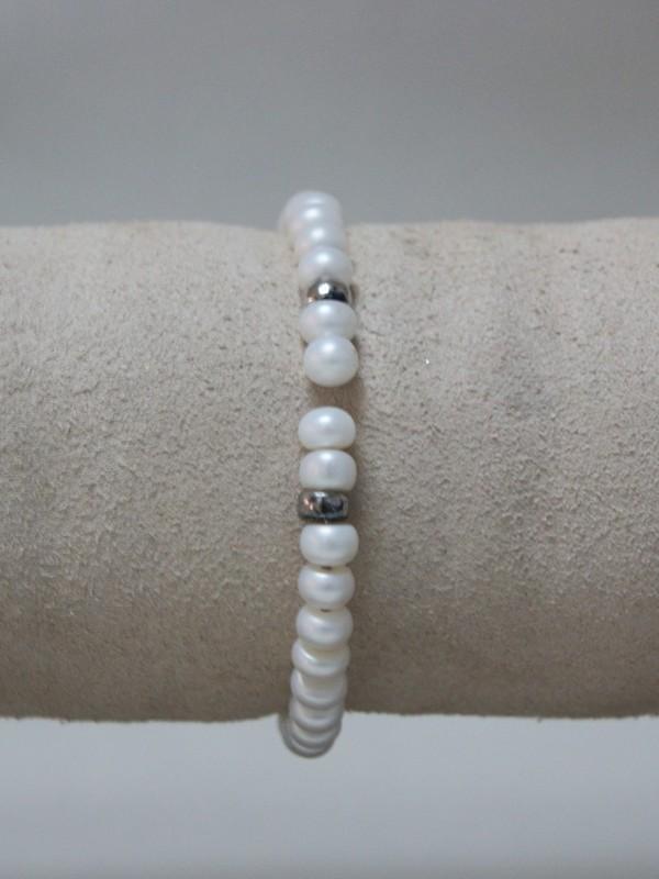 Klemarmband met witte parels