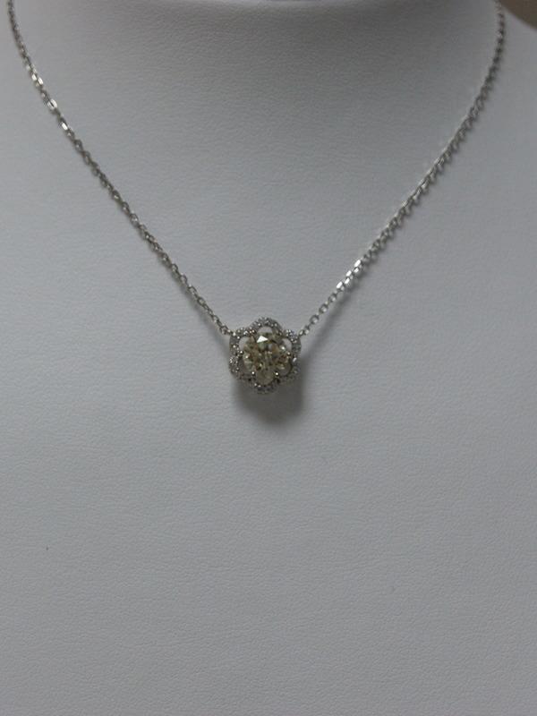 Zilveren collier met klemgezette zirconia