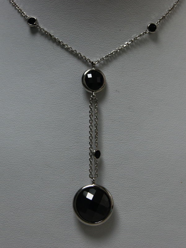 Zilveren collier met calcedoine