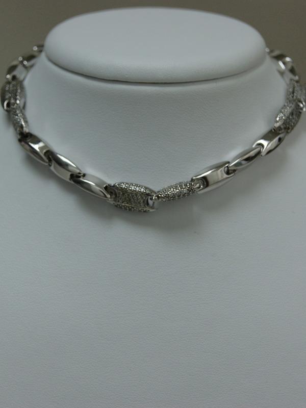 Zilveren collier met zirconia