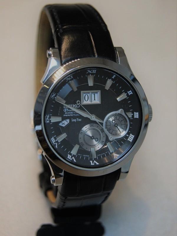 Seiko Premier Kinetic Perpetual Sapphire Zwart Leder Zwart SNP005P1