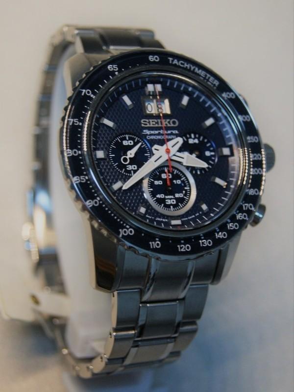 Seiko Sportura Quartz Sapphire Chronograph SS Bracelet Blauw SPC135P1