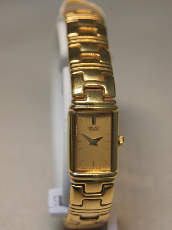 Seiko Quartz Doublé Bracelet Goud SZZ728J1