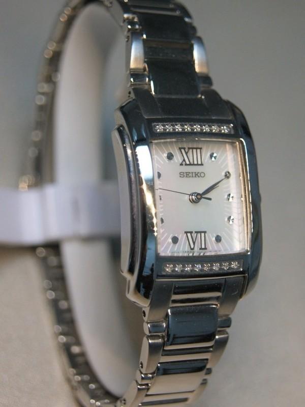 Seiko Quartz Staal SS Bracelet Parelmoer SRZ365P1