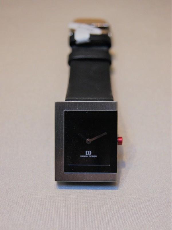 Black-Red Danish Design IV14Q1045