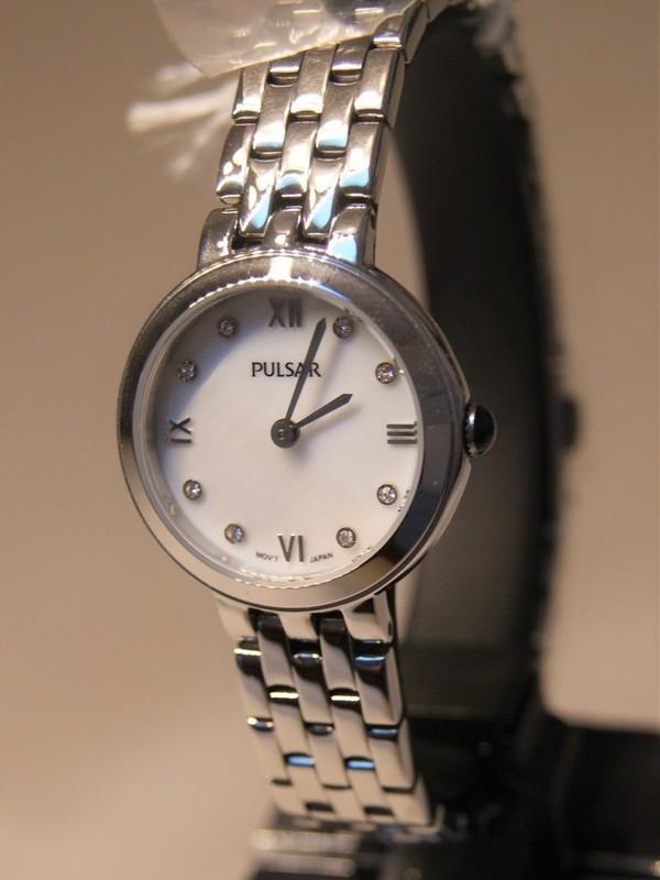 Pulsar Quartz Staal SS Bracelet Wit PM2243X1