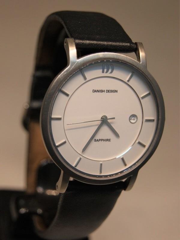Danish Design Quartz Titanium Sapphire Zwart Leder Wit IQ12Q858