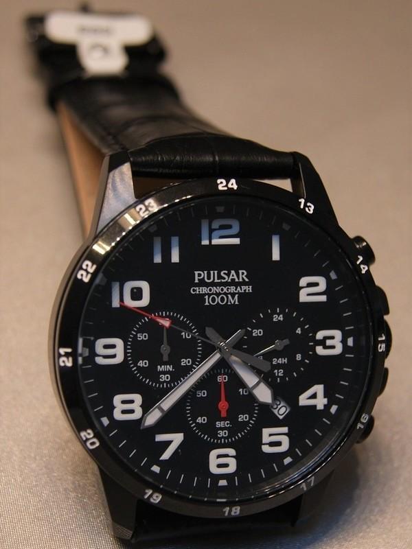 Pulsar Quartz Chronograph Staal SS Zwart Leder Zwart PT3A07X1