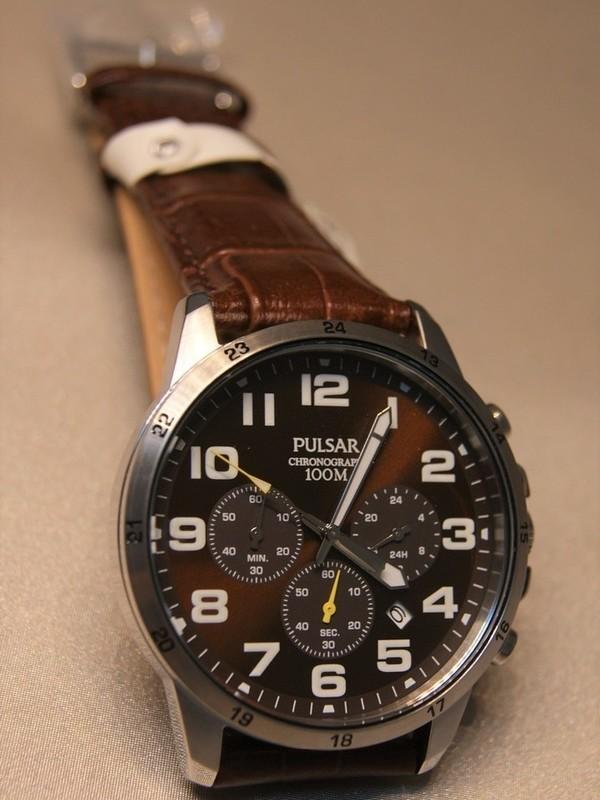 Pulsar Quartz Chronograph Staal SS Bruin Leder Bruin PT3A05X1