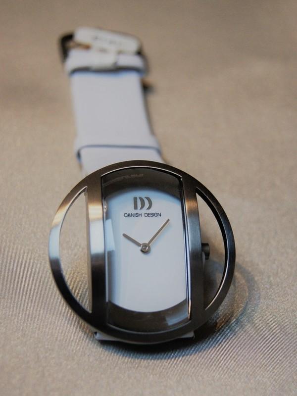 Danish Design Quartz Titanium Wit Leder Wit IV12Q933